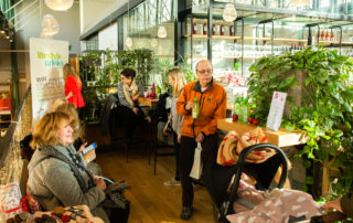 Fashiondeluxxe Charity Bazar in München kurz vor Weihnachten