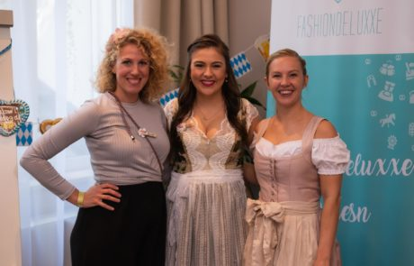 Fashiondeluxxe Wiesn AWA Hotel Geschäftsführerin Anita Wandinger und Ilka Assmann